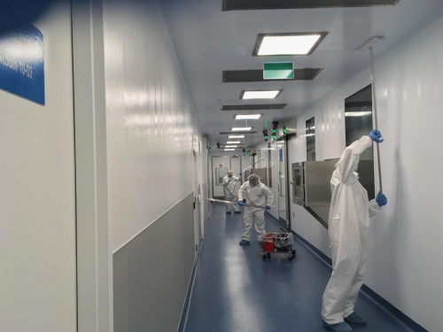 Pre-validation cleanroom cleaning